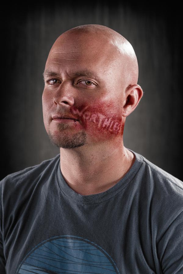 Abusos verbais em um impressionante ensaio fotográfico