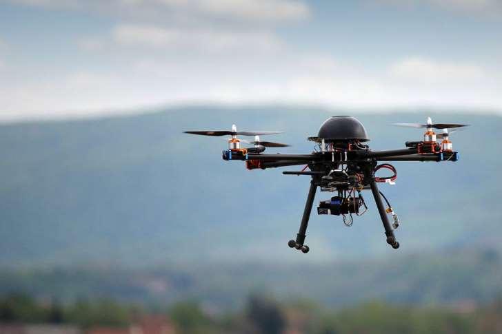 Imagem de Drones monitorando em situações de risco