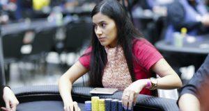 Imagem Poker Marcela Campeã torneio
