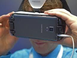 O Facebook já anunciou que está preparando lives em 360º para 2017 e no ano  de 2016 os vídeos 360º deram o que falar. O mercado de VR – realidade  virtual ... 89c9a6e8db