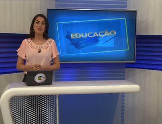 Summer job CESAR - professora e quadro negro Educação