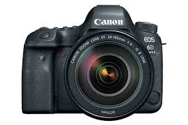 A câmera Canon EOS 6D vista de frente