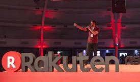 Rakuten EXPO um palestrante ao palco