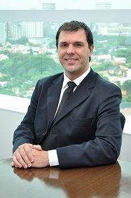 Jose Matias McAfee autor da matéria sobre cibercriminosos