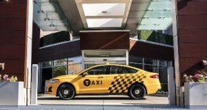 Ford Sedã Híbrido versão taxi