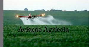 Aviação agrícola avião pulverizando
