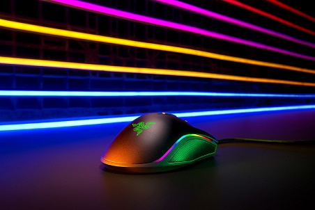 Outra vista do mouse visite https://www.razer.com/gaming-mice/razer-mamba-elite