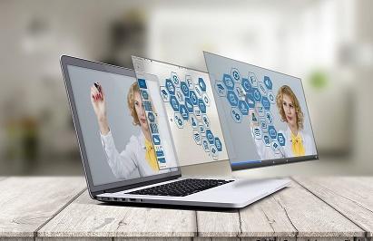 Notebooks com imagens de Realidade virtual