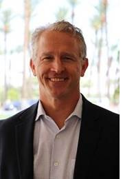 Sr. Steve Smith Vice diretor de indústrias e inteligência artificial
