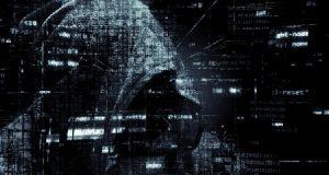 Hacker encapuzado fazendo hijacking