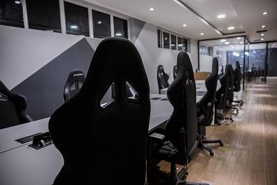 Sala de jogos montadas na gaming house da INTZ