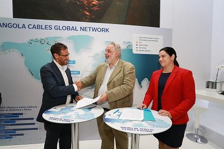 Assinatura da parceria da Angola Cables e Silica