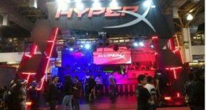 Estande com produtos da HyperX
