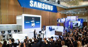 Samsung em evento lançando o HERA W10