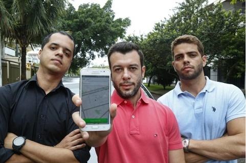 Smartphone com o app BabyPass