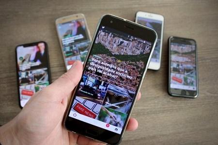 Smartphone com o app