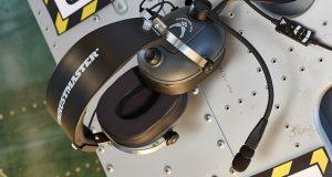 headset Thrumaster