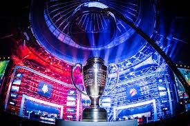 Taça na arena Intel Extreme Masters