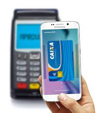 Smartphone e cartão de pagamento