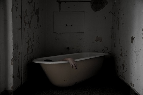 Pessoa em banheira