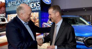 Diretores celebrando aliança Ford VW