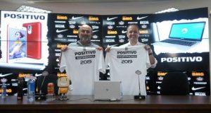 camisas patrocínio da Positivo