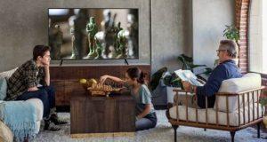 Sal de TV com uma TV 4K