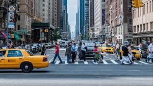 Rua movimentada mobilidade urbana