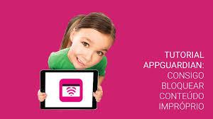 Criança com tablet AppGuardian