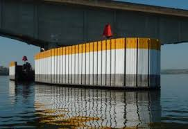 Protetores de pilares de pontes