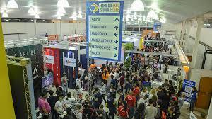 Estudantes da feira EXPO CIEE