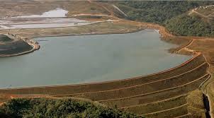 Vale barragem de rejeitos de mineração