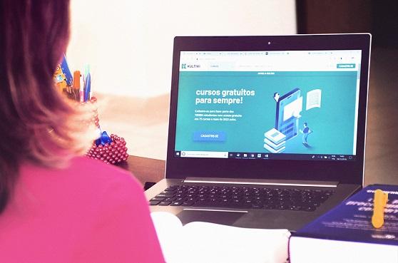 Notebook com curso para o Enem