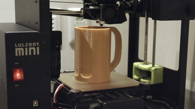 Impressão 3D de caneca projeto B33R3D