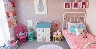 Quanto infantil com decoração rosa