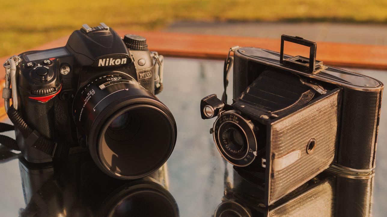 câmera digital e câmera analígica profissionais