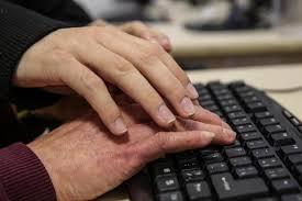 Mãos se ajudando Acessibilidade Digital